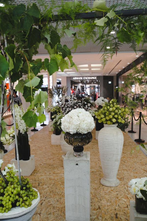 White Shavuot at Ramat Aviv mall