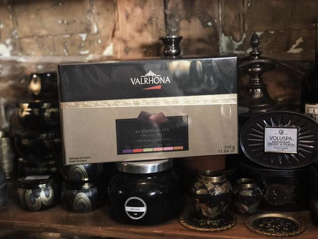 Fiori 66.Valrhona Chocolate 66 Pcs Fiori