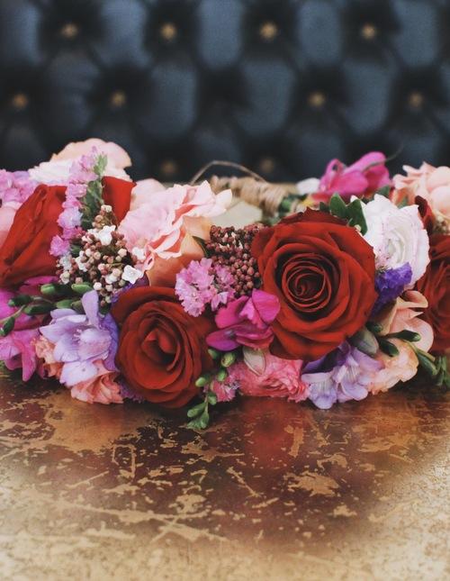 זר פרחים לראש מדגם כיפה אדומה